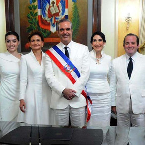 Abinader pide no colocar foto presidencial en despachos