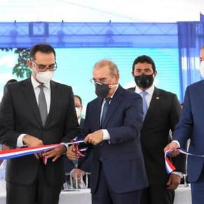 Danilo Medina entrega Central Punta Catalina
