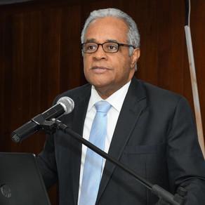 Ministro de Salud  dice no todos los casos febriles  son dengue