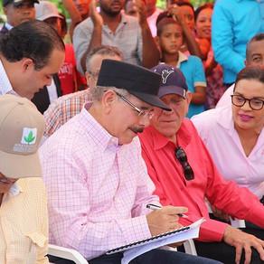 Danilo Medina aumentará ingresos y poder de consumo de 107 parceleros de Azua