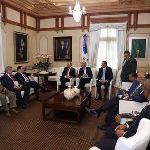 Danilo Medina se reúne con sector eléctrico
