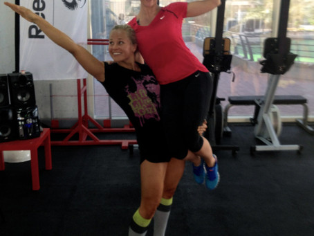1 cheerleader og 1 treningsbuddy
