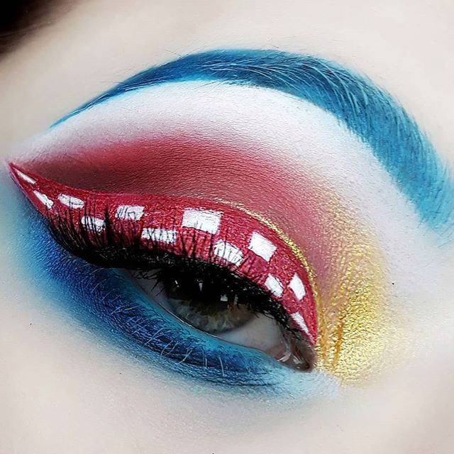 Croatian flag inspired makeup 💙❤⚪💛🇭🇷_