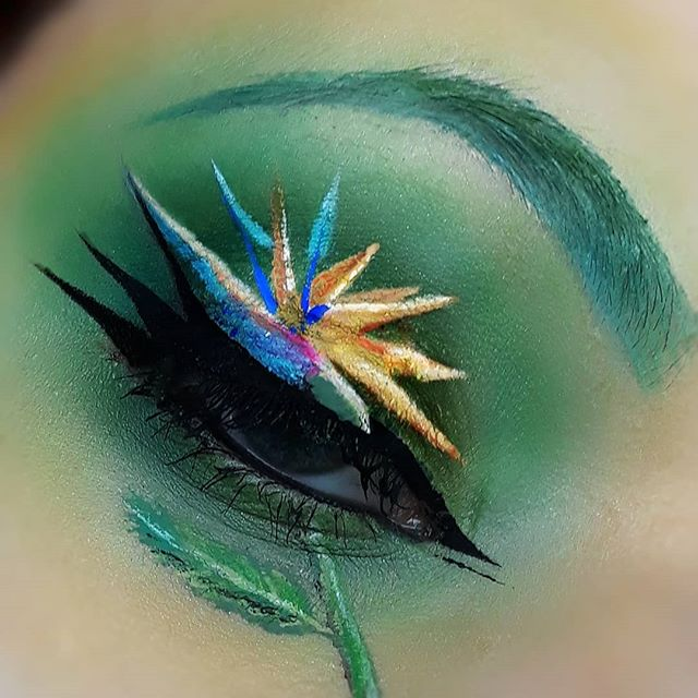 Here's my look for #embraceyournature_Tag given by _vanessamelanson about bird of Paradise 🍃🌺_#und
