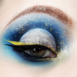 This look was inspired by an artist I really adore _fiercelyrealbeauty She really have her own style