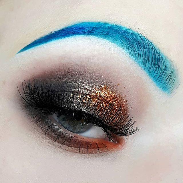 #makeup #makeupartist #cold #warm #trend #makeuplover #makeupandmakeup #eyeliner #makeuptutorial #tr