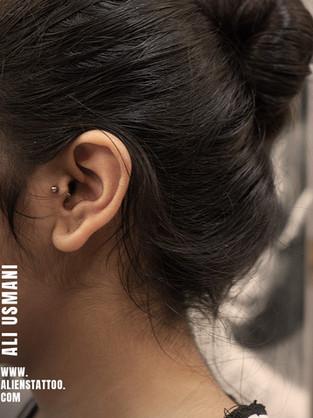 helix-piercing-by-ali-insta