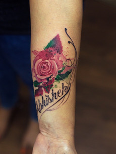 flower-tattoo-at-aliens-tattoo-india_
