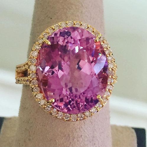 Beautiful Kunzite and diamond ring