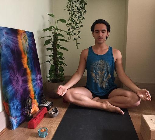 Yoga Giaky.jpg