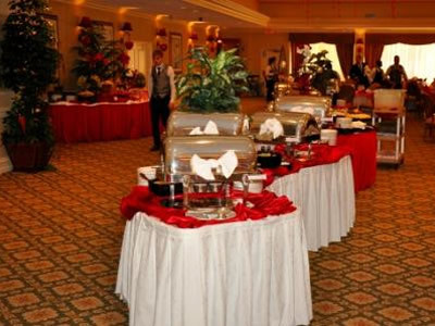 Guests enjoyed a delectable dinner at the Love Without Boundaries event.