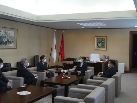 東北電力(株)取締役社長 樋口康二郎氏らが、新年の挨拶に来られました