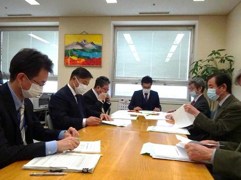 日本耳鼻咽喉科学会より『認知症予防のための補聴器助成制度化に関する要望書』を受けました
