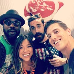 Elevator selfie with the film crew from LA 📷🎥 #actress #selfie #usie #actor #la #losangeles #seatt