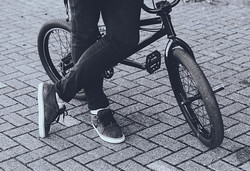 ▪️ R i d e r ▫️ _ryanelcock #bmx #rider