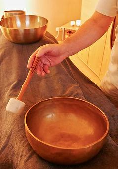 Entspannung Klangschalen Massage Behandlung Praxis Relax