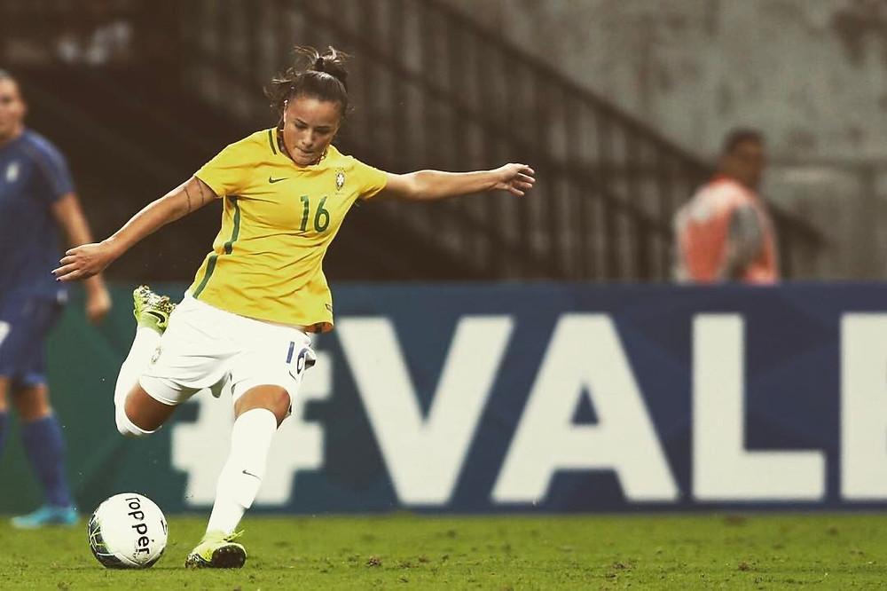 Camilinha e seleção brasileira de futebol feminino GO USA
