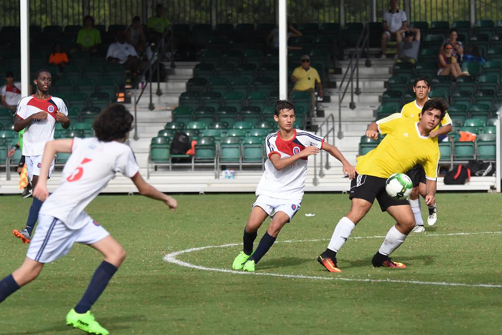 Leonardo, atleta de Belém na disputa de bola pela Disney Cup 2017 contra o Hunter's Creek
