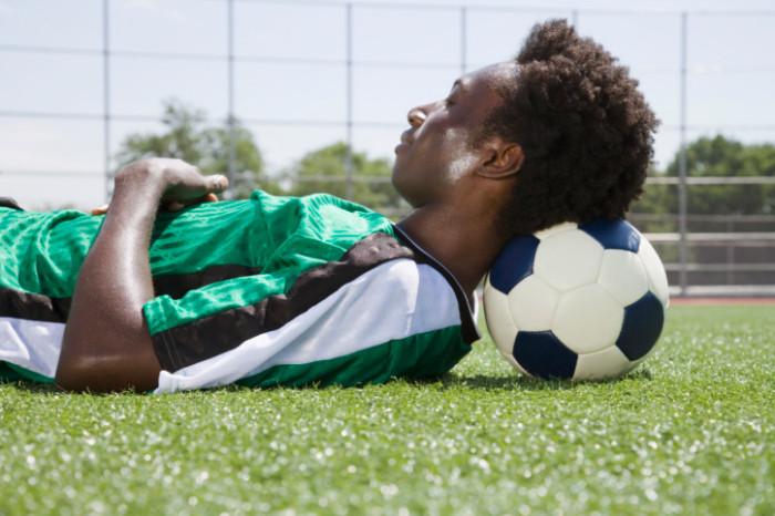 Sono e jogador de futebol nos EUA