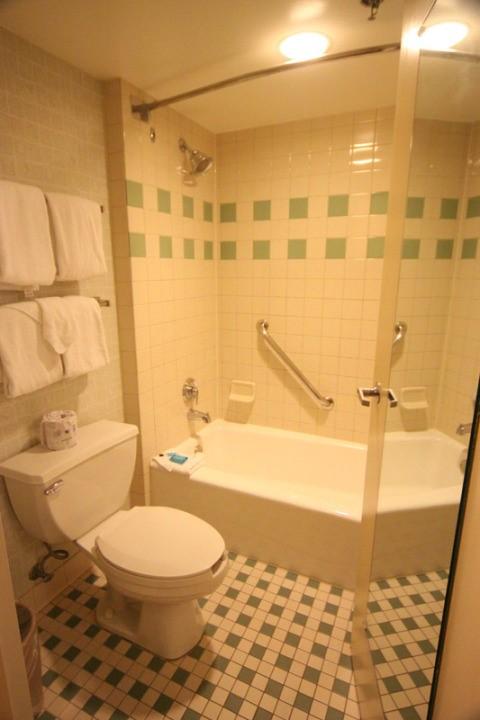 Banheiro Pop Century GO USA