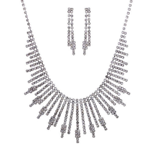Rhinestone Sunburst Pattern Necklace