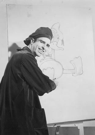 Copy of Lenn drawing Donald Duck.jpg