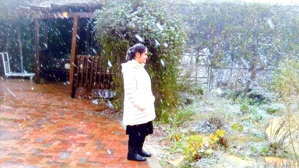 Illustration: Girl Standing in Snow (Photo credit: (c) Yael Lynn)