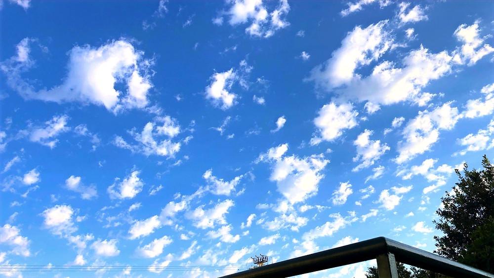 Illustration: Summer Clouds (Image Credit: Dr. Barry Lynn © 2020)