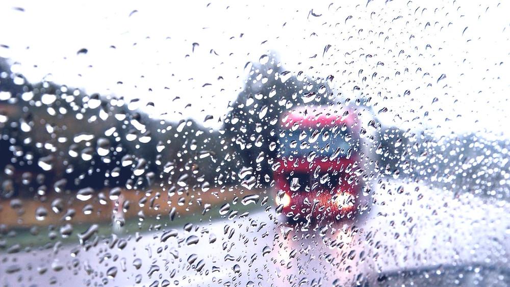 Illustration: Driving in Rain by Tookapic (Standard Pexels License)