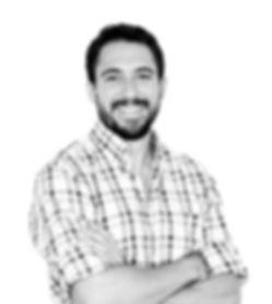 Xavier Sanmartín es psicólogo y está especializado en psicoterpia Gestalt, de famila y PNL. Trabaja con adolescenca y familia y colabora con AVALCAB con TCA Trastorno de a Conducta Alimentaria