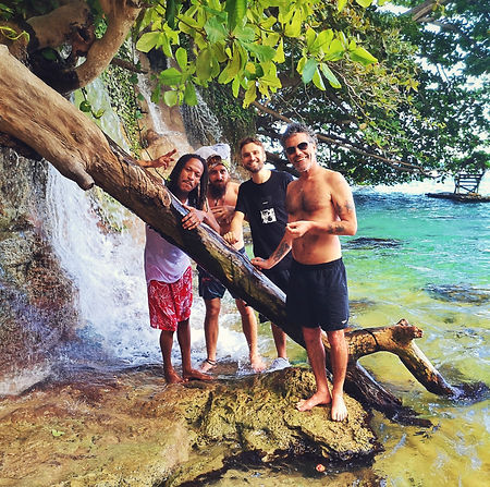 Daddy Mory Pierpoljak Bazil and Judah Roger in Jamaica by the waterfalls in the carribean en jamaique