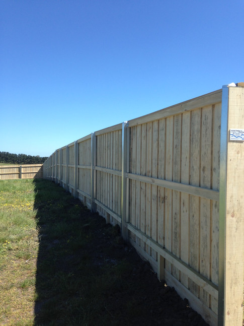 Paling fence with Galvanised Steel posts and capping
