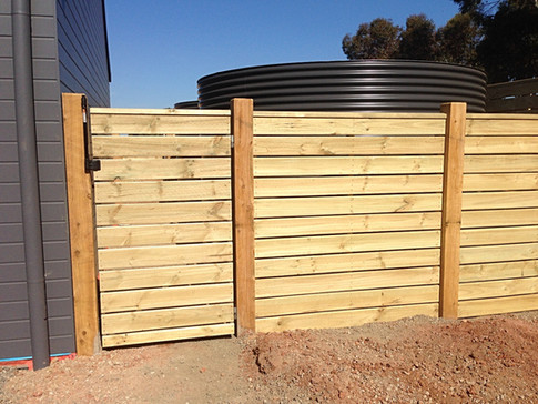 Corral Fence With Exposed Posts & Capping.