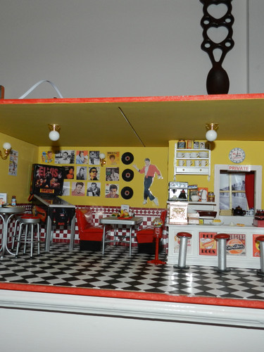 Rock and Roll Cafe.