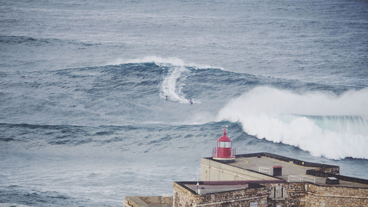 Nazaré waves