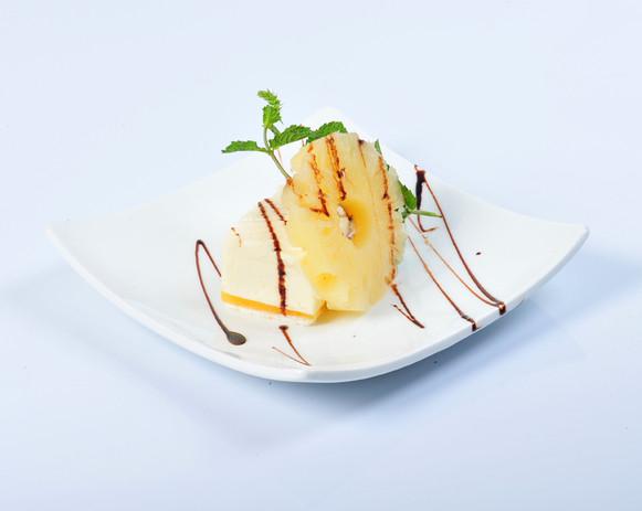 パイナップルのデザート2