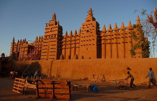 Reuters: с Мали сняли санкции ECOWAS