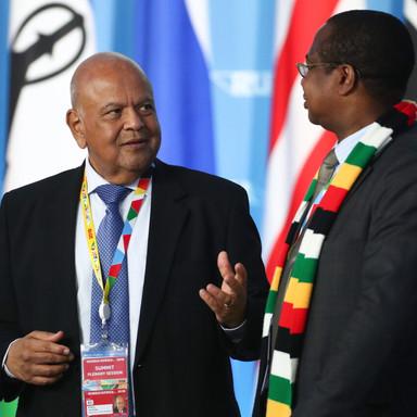 Дискуссия в кулуарах саммита