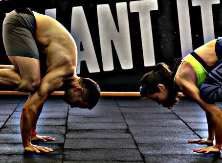 """""""בין יוגה ליוגורט"""" - תרגול יומי כדרך פרקטית לאכילה נכונה וירידה במשקל"""