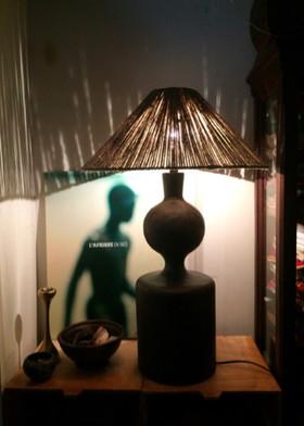Lampe en bois peint