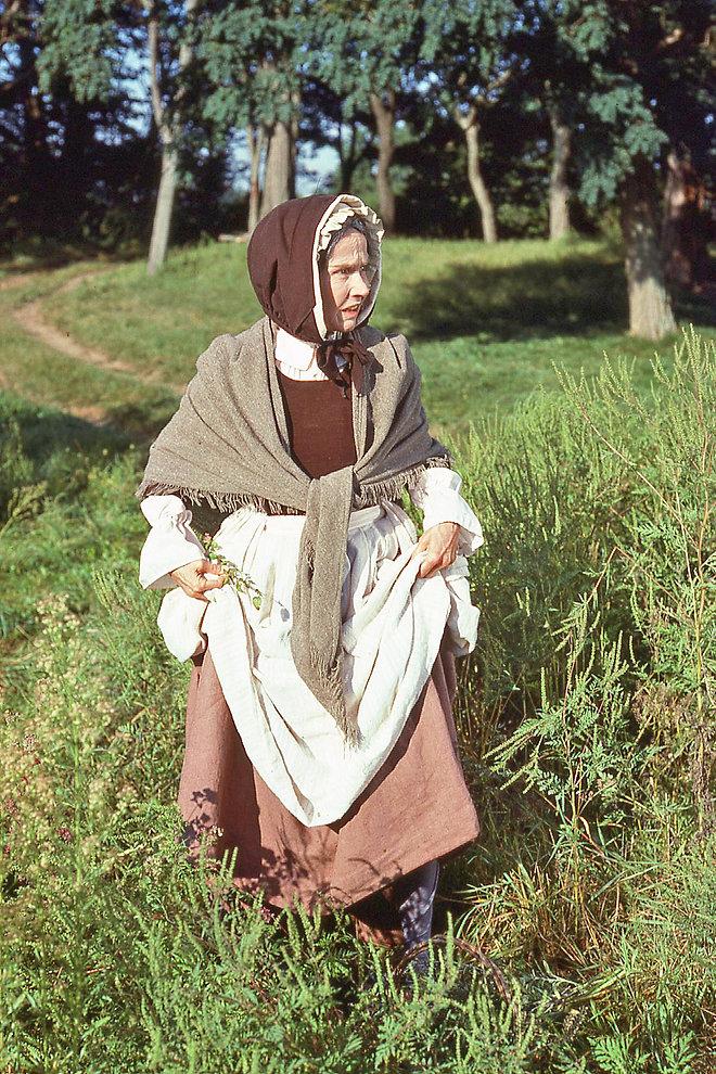 Kim Hunter as Mary Easty.jpg