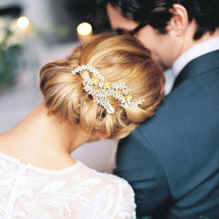 6 things to consider before picking out your perfect bridal hairstyle!