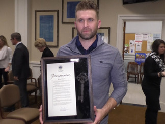 Mayor Barker presents Key of Hattiesburg to  MLB player Brian Dozier