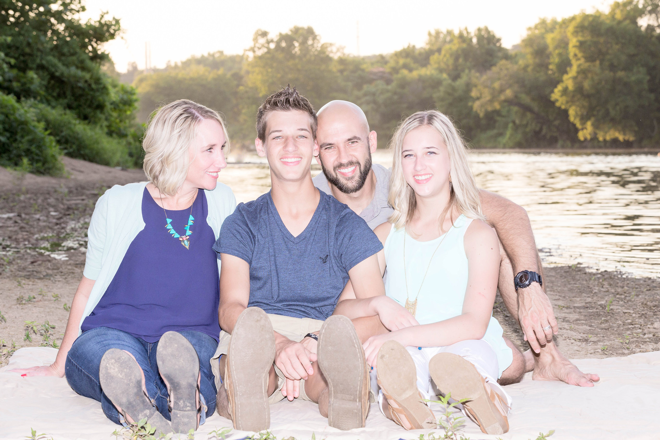 Family Session (Up to 10 people)