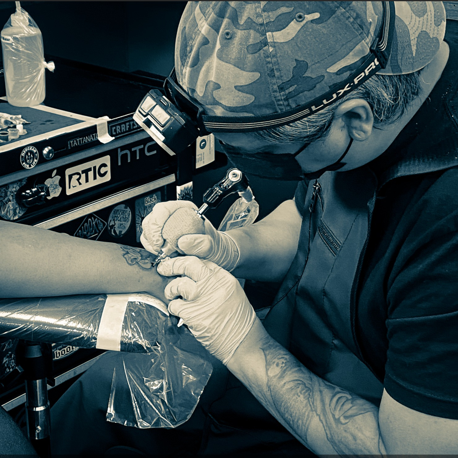 TATTOOING BY MIKE