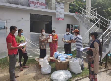 छ लाख बराबरका स्वास्थ्य सामाग्री हस्तान्तरण– हेमराज शर्मा  Health Materials have been Provided ...