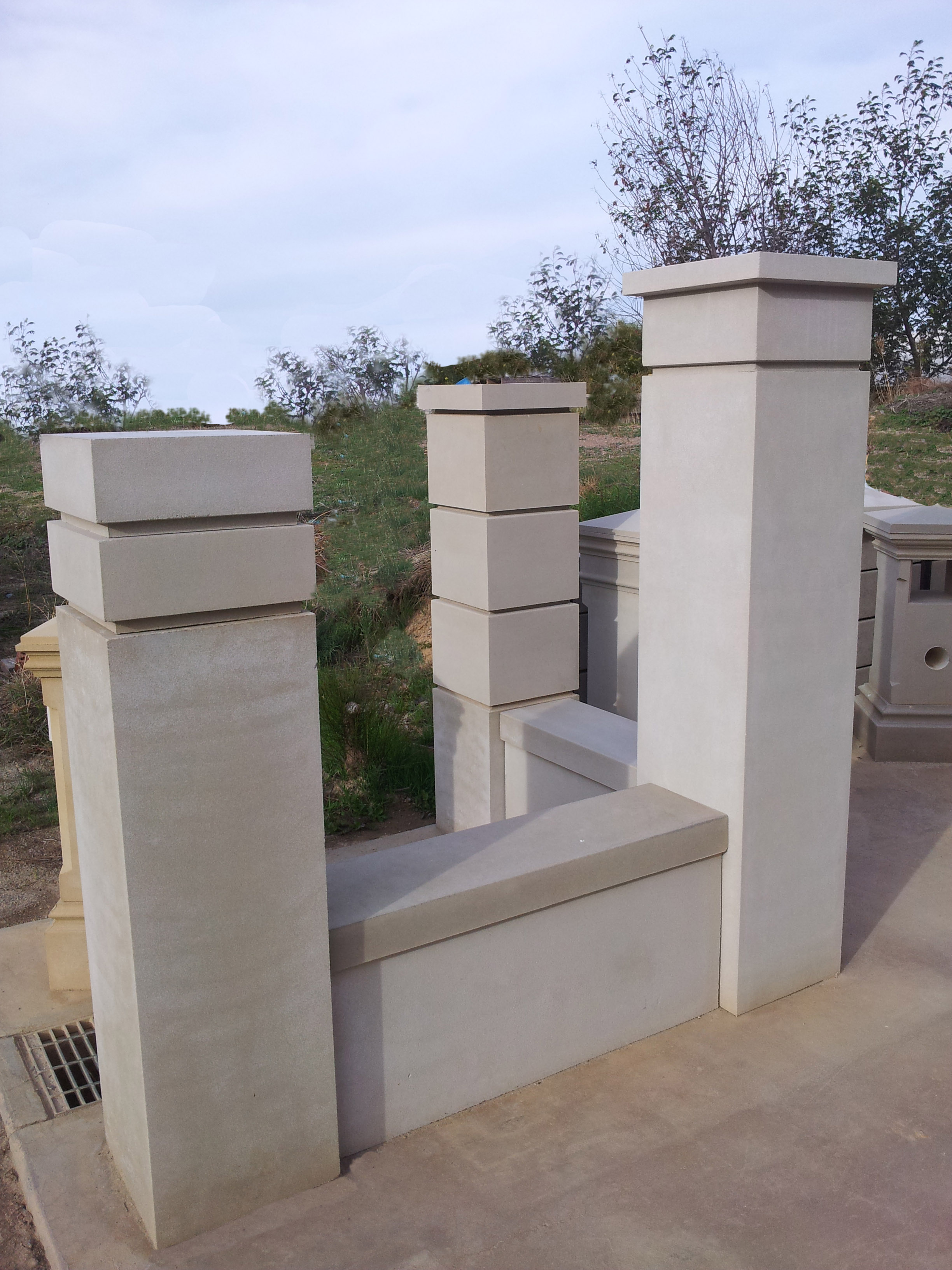 Plain pillars