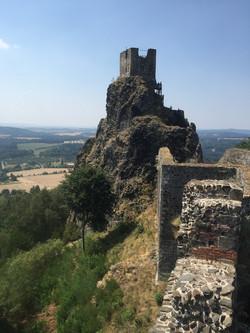 trosky-castle-884950_1920