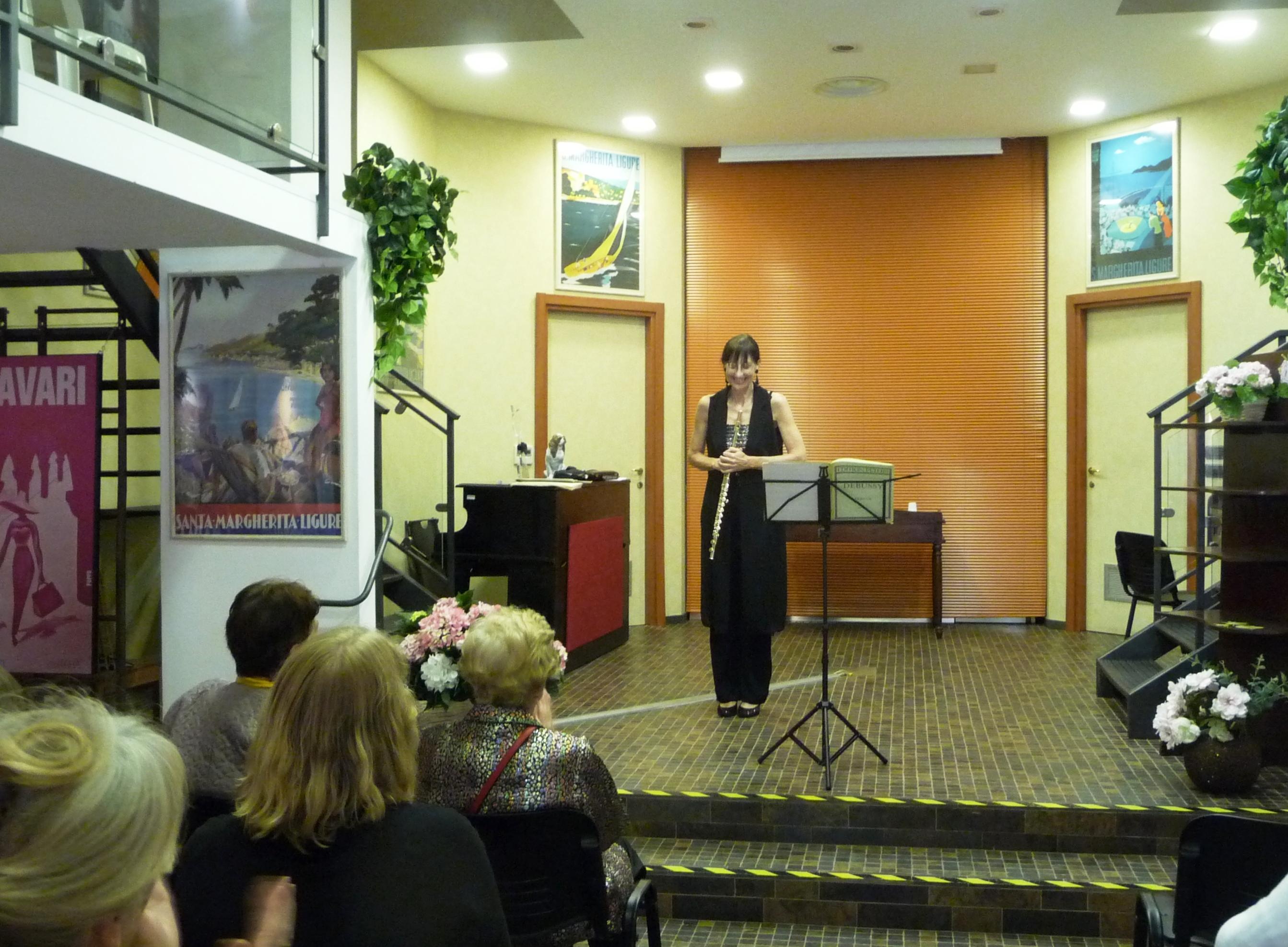 Elena Cecconi, flutist