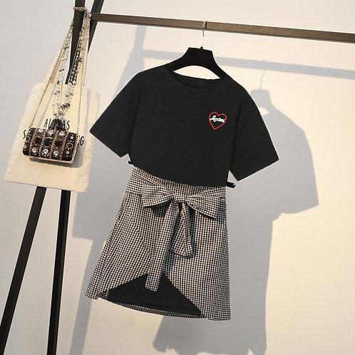 大码显瘦T + 格子裙 Plus Size T with Checkered Skirt